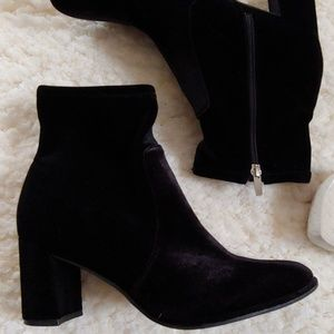 b5f4774cf44 Marc Fisher Shoes - Marc Fisher LIZZY Velvet Bootie Like New!